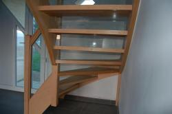 escalier bois avec contremarches verre sécurit