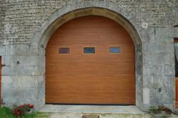 Portes de garage sectionnelles menuiserie Mougin Haute-Saone